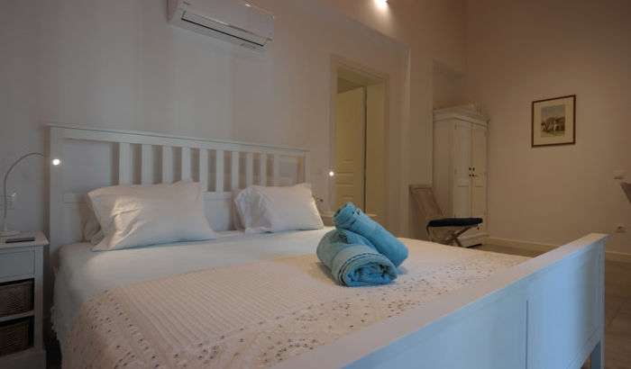 Double bedroom, Villa Gregory, Corfu