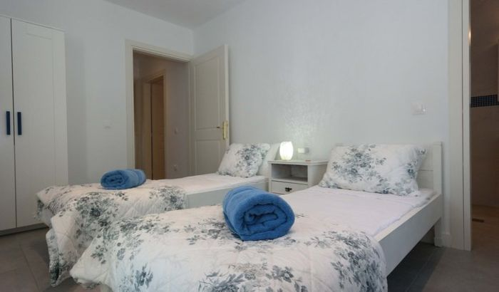 Twin bedroom, Villa Gregory, Corfu