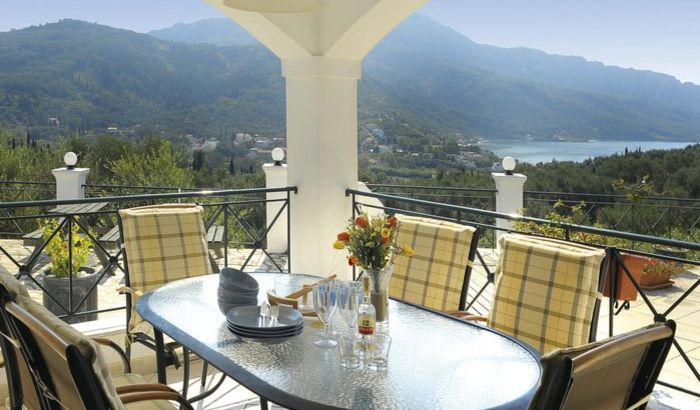 Outdoor Dining area, Hellyhunter Villa, Corfu