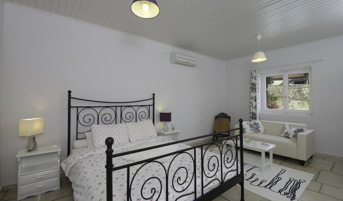Upper double bedroom, Villa Perseus, Paxos