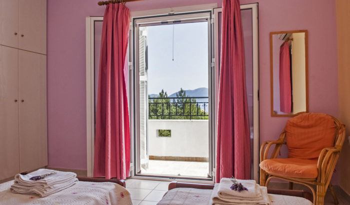 Twin bedroom, Villa Melissani, Kefalonia