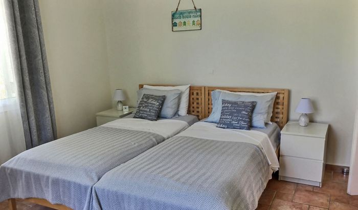Twin bedroom, Villa Pascalia, Corfu